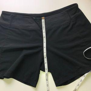 Lulu Lemon 🍋 🖤 shorts